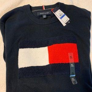 Men's Tommy Hilfiger heavy sweater size XL
